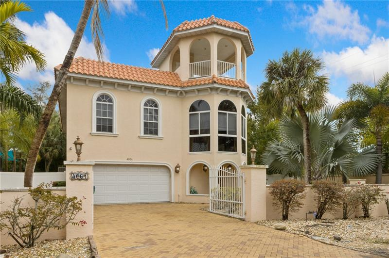 Image for property 4001 5TH AVENUE, HOLMES BEACH, FL 34217