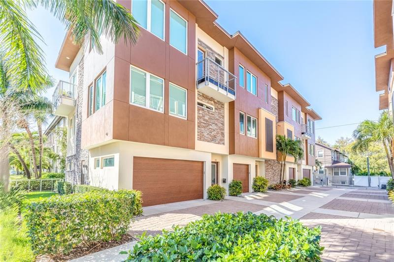 Image for property 143 5TH AVENUE, ST PETERSBURG, FL 33701