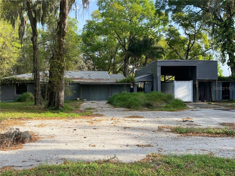 Image for property 3019 LITHIA PINECREST ROAD, VALRICO, FL 33596