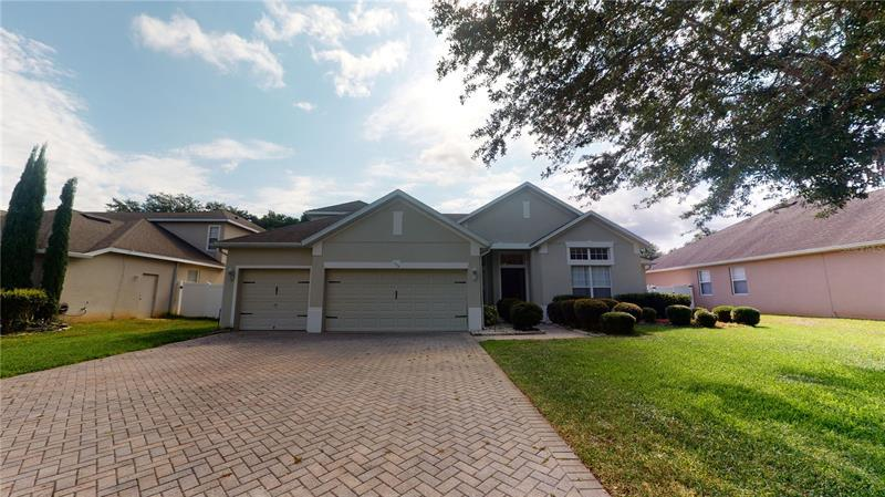 Image for property 117 BLUE WATER EDGE DRIVE, EUSTIS, FL 32736