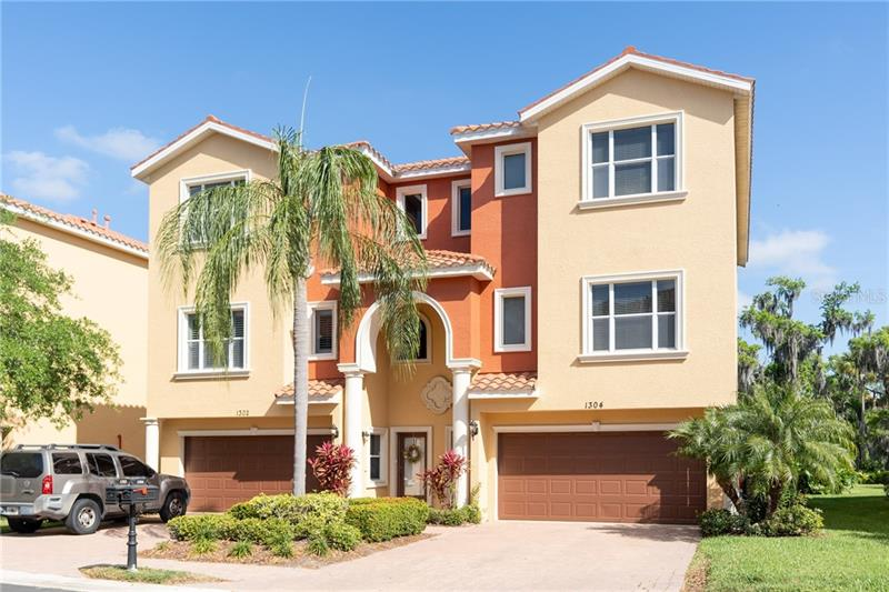Image for property 1304 3RD STREET CIRCLE 11, PALMETTO, FL 34221