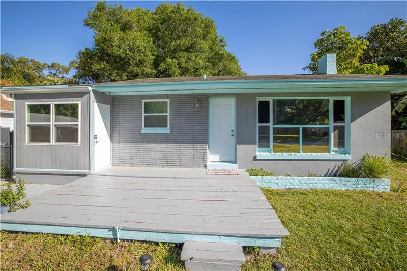 Image for property 3707 56TH AVENUE, ST PETERSBURG, FL 33714