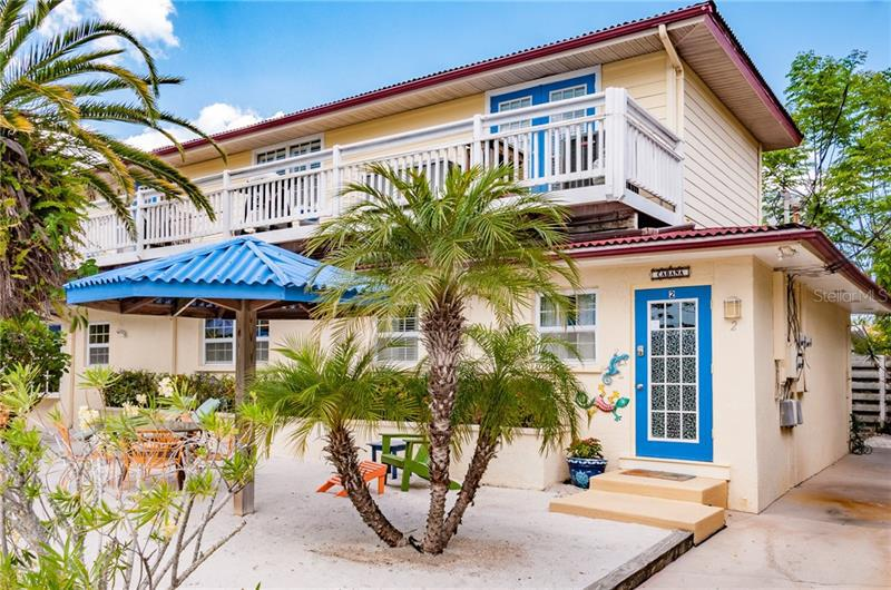 Image for property 104 29TH STREET 2, HOLMES BEACH, FL 34217