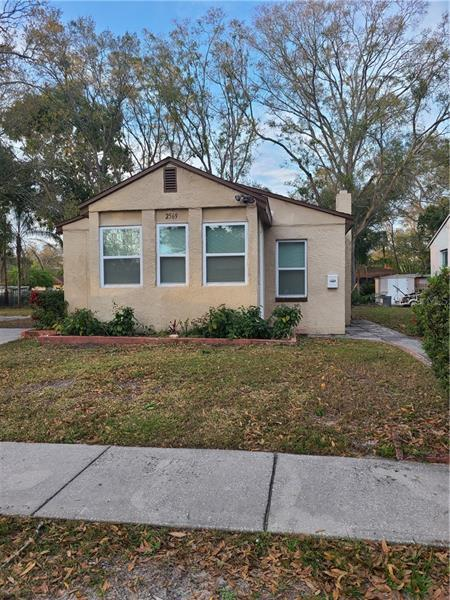 Image for property 2569 QUEENSBORO AVENUE, ST PETERSBURG, FL 33712