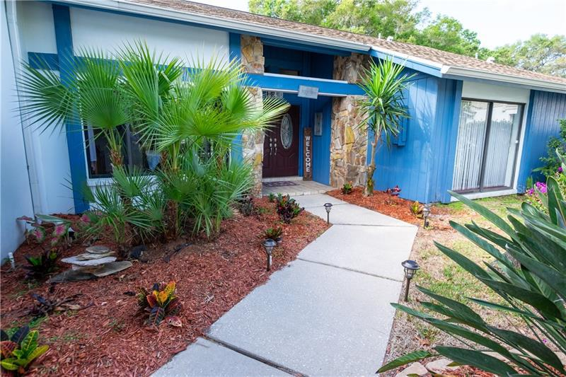 Image for property 2943 MAYFAIR COURT, CLEARWATER, FL 33761