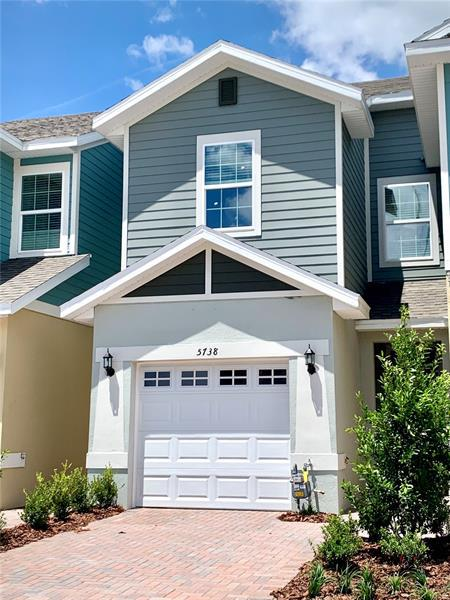 Image for property 5738 SPOTTED HARRIER WAY, LITHIA, FL 33547