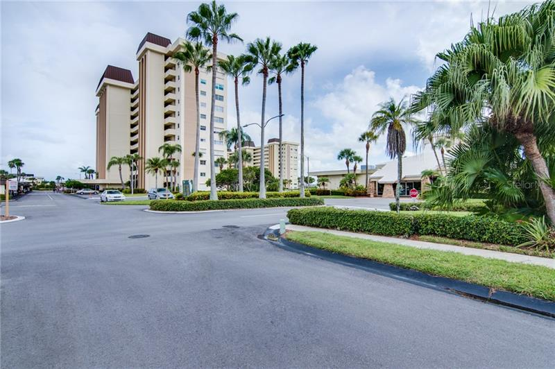 Image for property 4575 COVE CIRCLE 106, ST PETERSBURG, FL 33708