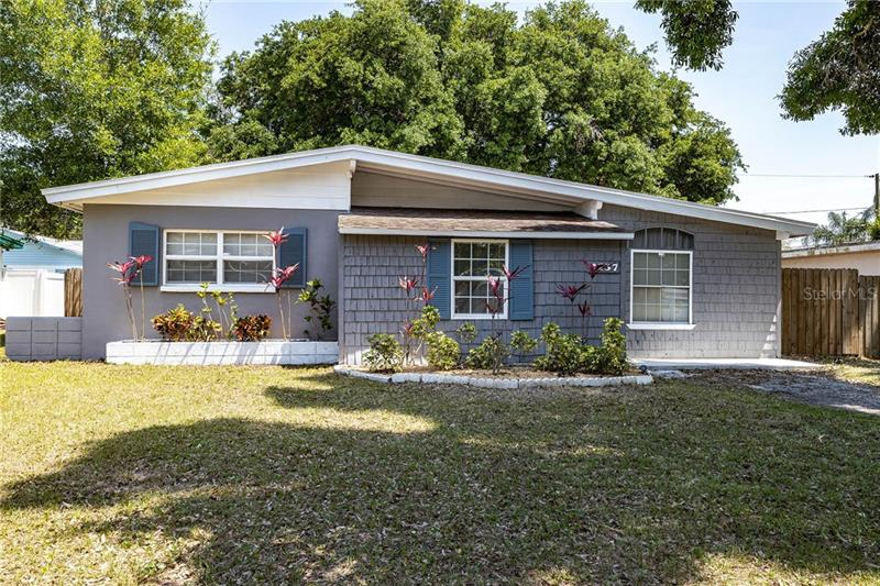 Image for property 2137 RIVIERA DRIVE, CLEARWATER, FL 33763