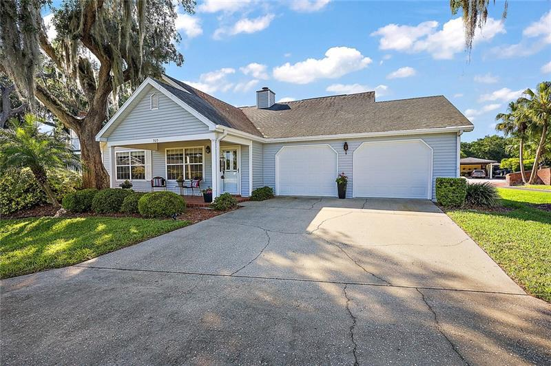Image for property 925 BEVERLY HARBORS DRIVE, LEESBURG, FL 34748