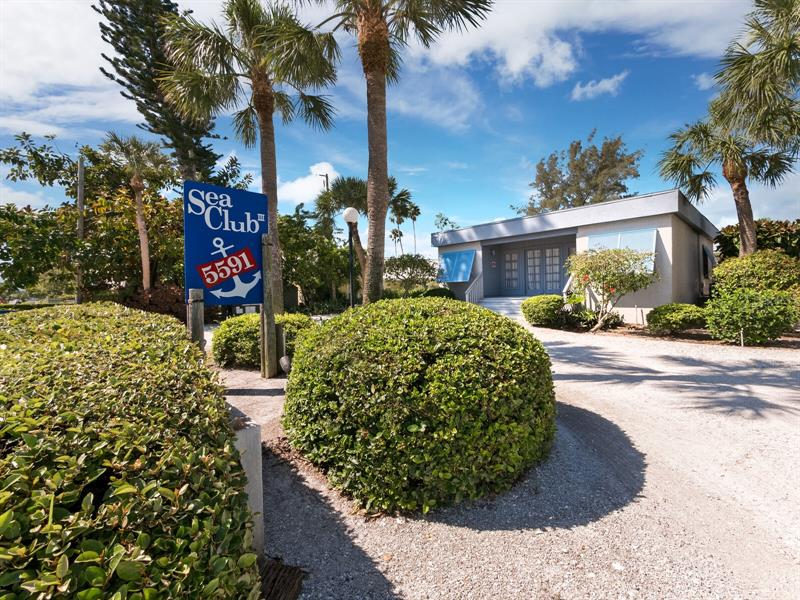 Image for property 5591 GULF OF MEXICO DRIVE 7, LONGBOAT KEY, FL 34228