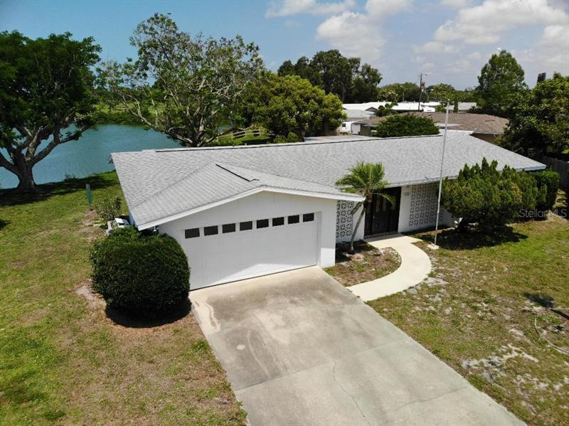Image for property 429 EDGEWOOD ROAD, VENICE, FL 34293