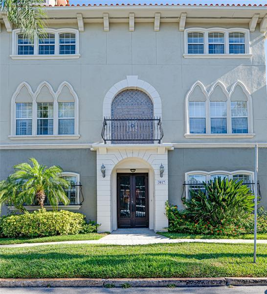 Image for property 3017 BAY VIEW AVENUE D, TAMPA, FL 33611