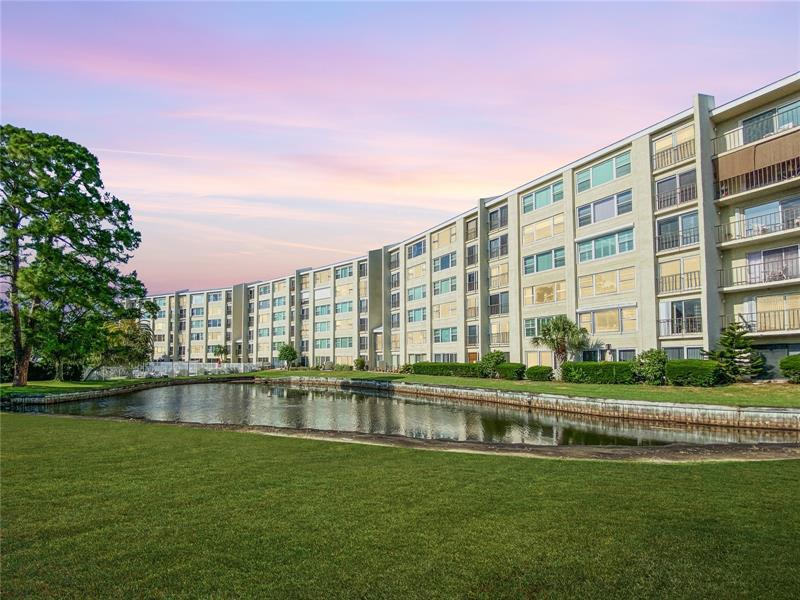 Image for property 225 COUNTRY CLUB DRIVE 1504, LARGO, FL 33771