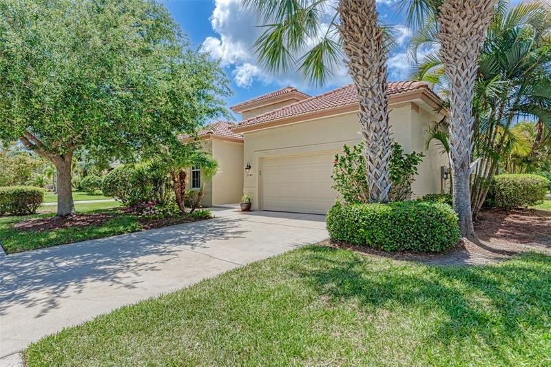 Image for property 2745 SAWGRASS COURT, PORT CHARLOTTE, FL 33953