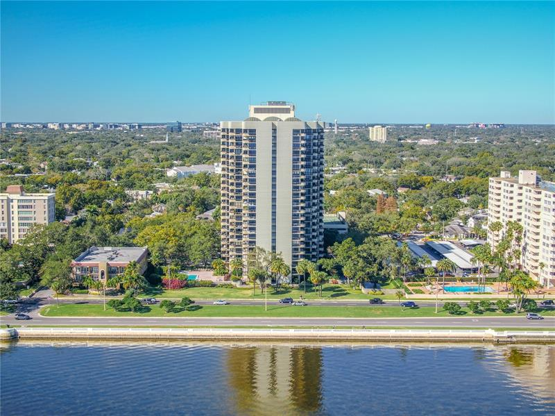 Image for property 2413 BAYSHORE BOULEVARD 2302 & 2304, TAMPA, FL 33629