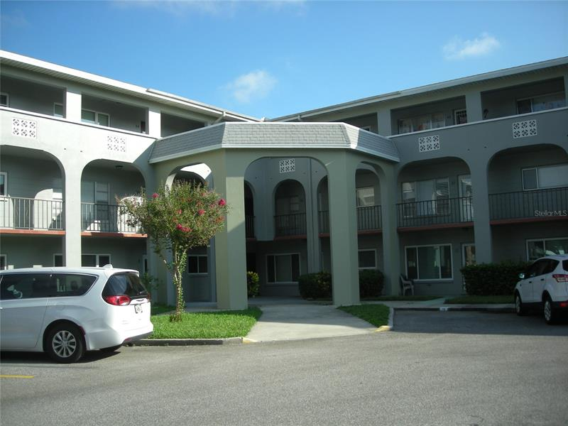 Image for property 2228 SWEDISH DRIVE 40, CLEARWATER, FL 33763