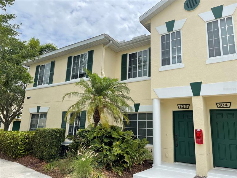 Image for property 267 CAPE HARBOUR LOOP 103, BRADENTON, FL 34212