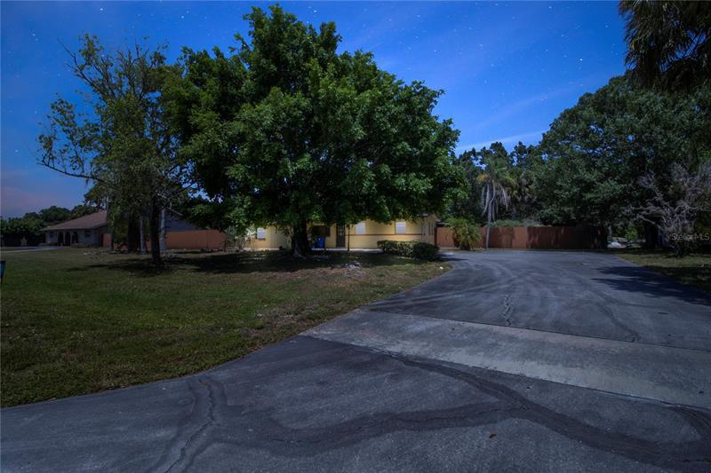 Image for property 17180 LAKE DRIVE, NORTH FORT MYERS, FL 33917
