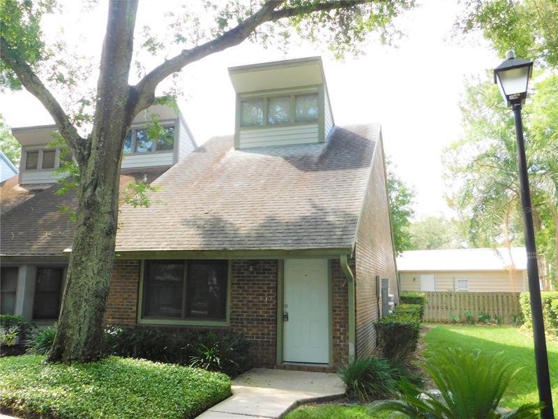 Image for property 5211 PINE MILL COURT 35, TEMPLE TERRACE, FL 33617