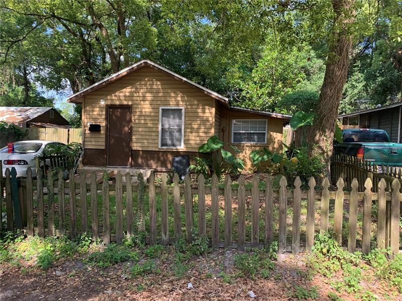 Image for property 8004 11TH STREET, TAMPA, FL 33604