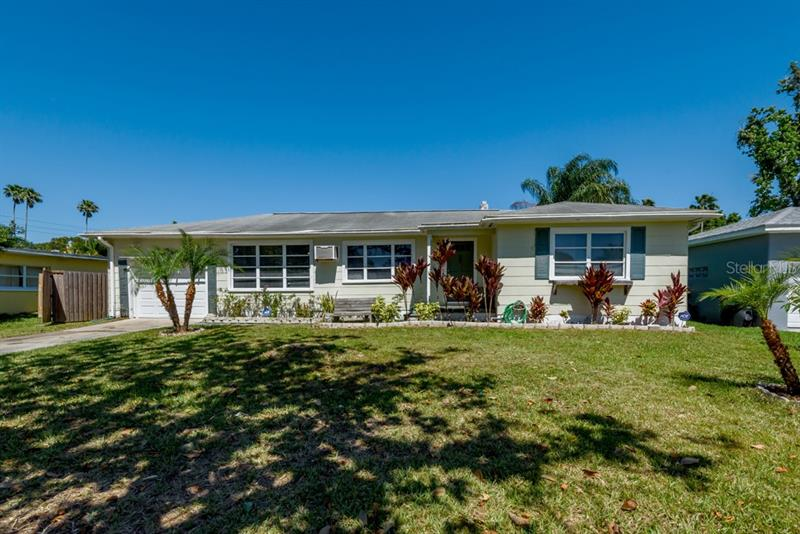Image for property 1861 EAST DRIVE, CLEARWATER, FL 33755