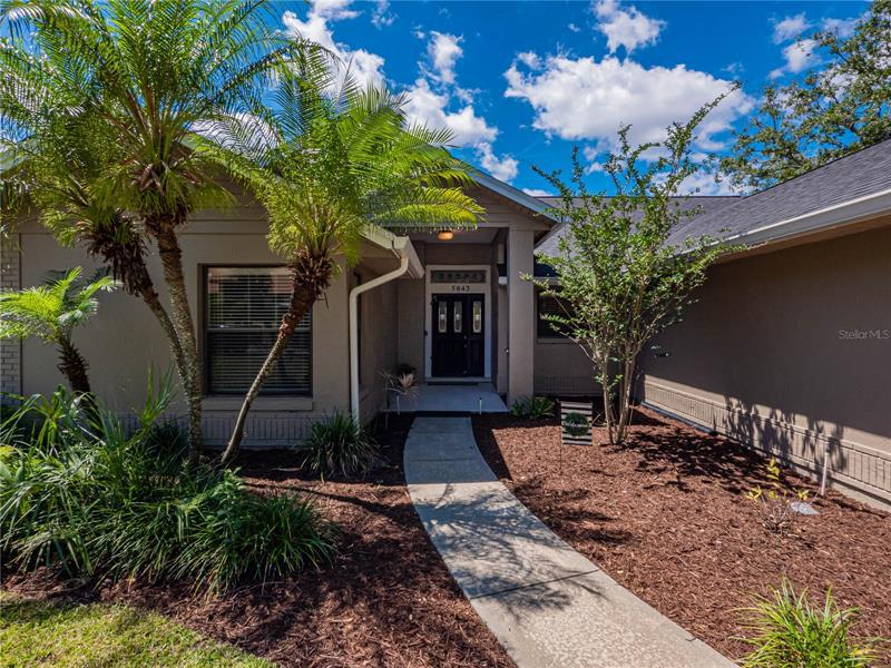Image for property 5842 COLONY PLACE DRIVE, LAKELAND, FL 33813