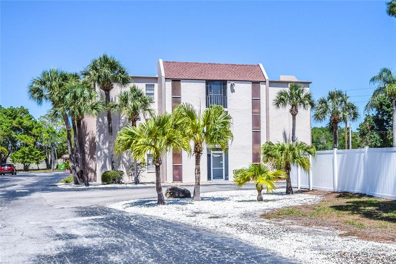 Image for property 519 ALBEE FARM ROAD 116, VENICE, FL 34285