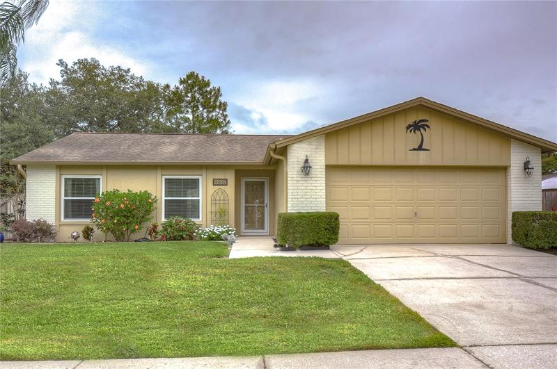 Image for property 4909 OAKSHIRE DRIVE, TAMPA, FL 33625
