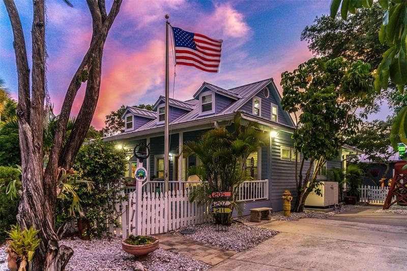 Image for property 205 6TH AVENUE, SAFETY HARBOR, FL 34695