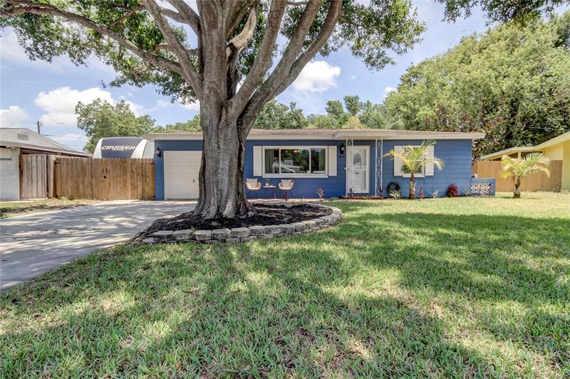 Image for property 8295 53RD WAY, PINELLAS PARK, FL 33781