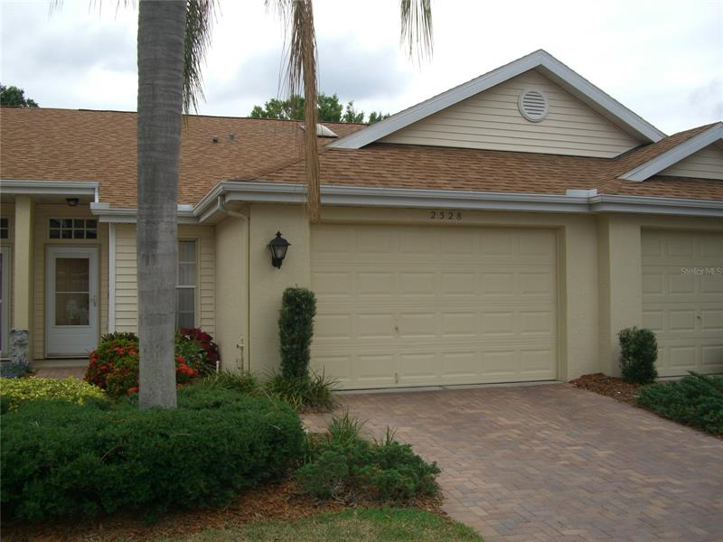 Image for property 2528 NEW HAVEN CIRCLE 17, SUN CITY CENTER, FL 33573