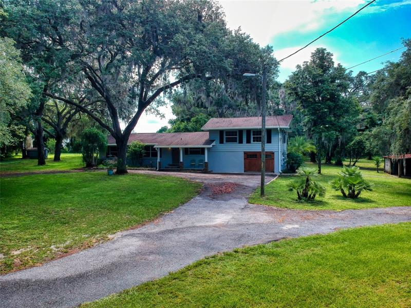 Image for property 12644 COUNTY ROAD 44, GRAND ISLAND, FL 32735