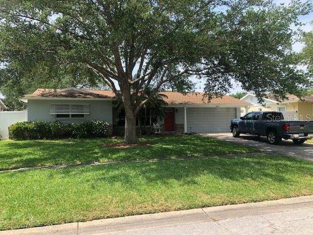 Image for property 8962 LAKEWOOD DRIVE, SEMINOLE, FL 33772