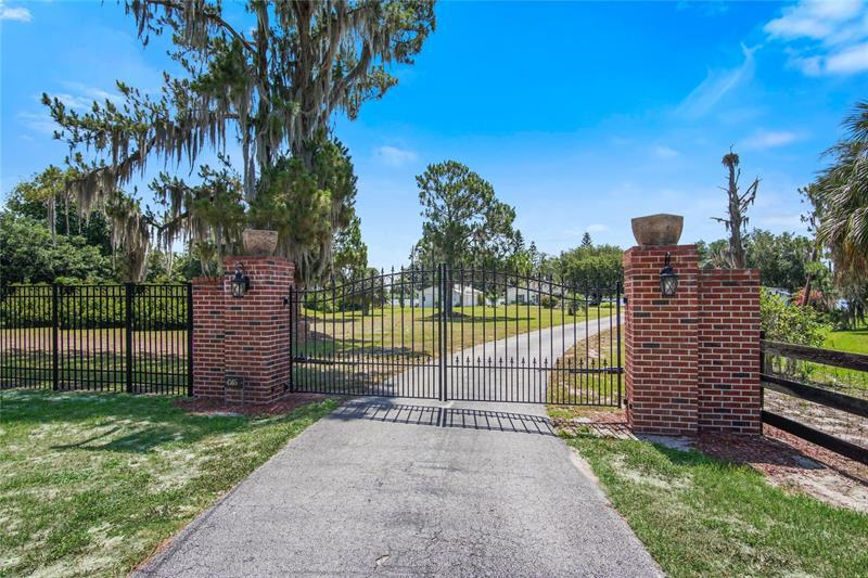Image for property 4365 CANAL ROAD, LAKE WALES, FL 33898