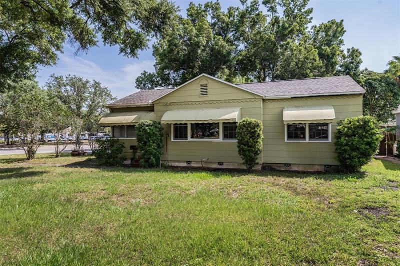 Image for property 921 CANDLEWOOD AVENUE, TAMPA, FL 33603
