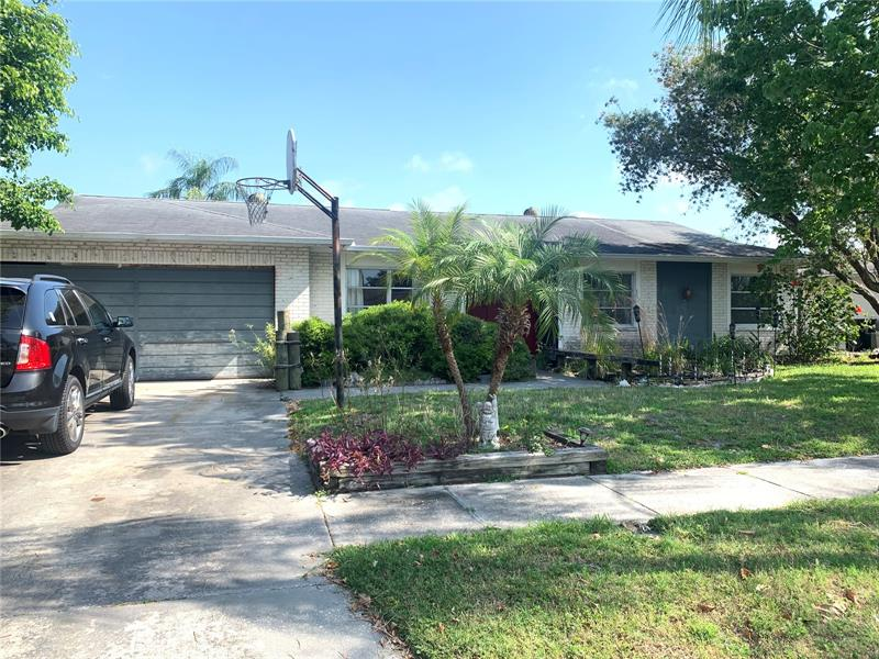 Image for property 8705 PALISADES DRIVE, TAMPA, FL 33615