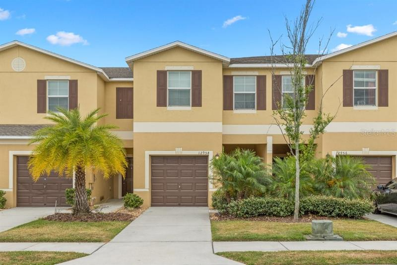 Image for property 12954 UTOPIA GARDENS WAY, RIVERVIEW, FL 33579