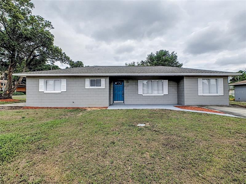 Image for property 2243 LAURA STREET, LAKE WALES, FL 33898