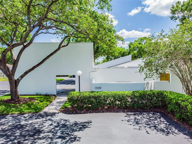 Image for property 14108 CYPRESS RUN, TAMPA, FL 33618
