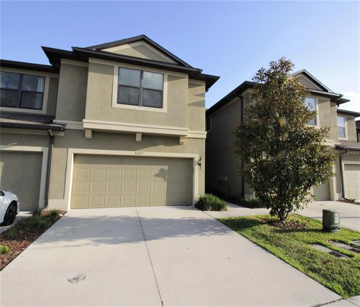 Image for property 5127 BAY ISLE CIRCLE, CLEARWATER, FL 33760