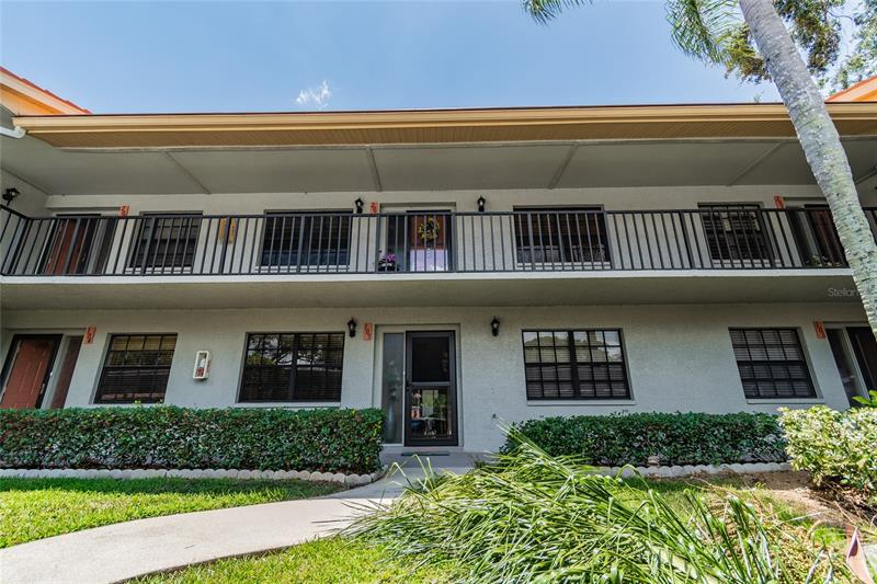 Image for property 2020 LAKEVIEW DRIVE 205, CLEARWATER, FL 33763