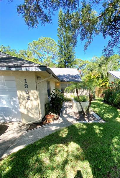Image for property 1952 ELAINE DRIVE 16, CLEARWATER, FL 33760