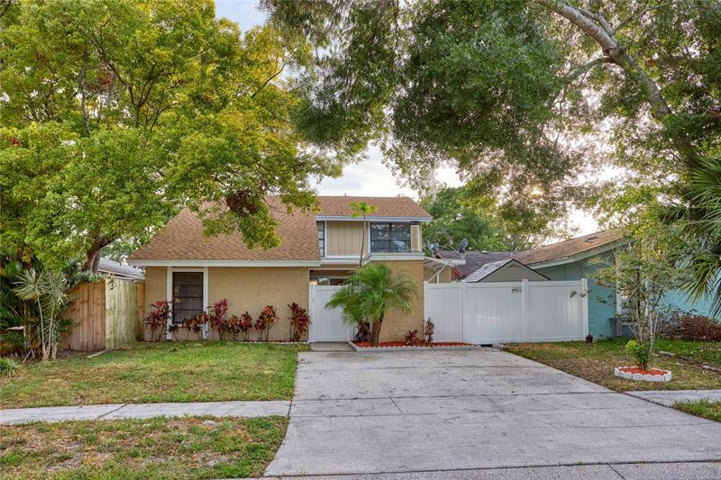Image for property 10306 PENNYTREE PLACE, TAMPA, FL 33624