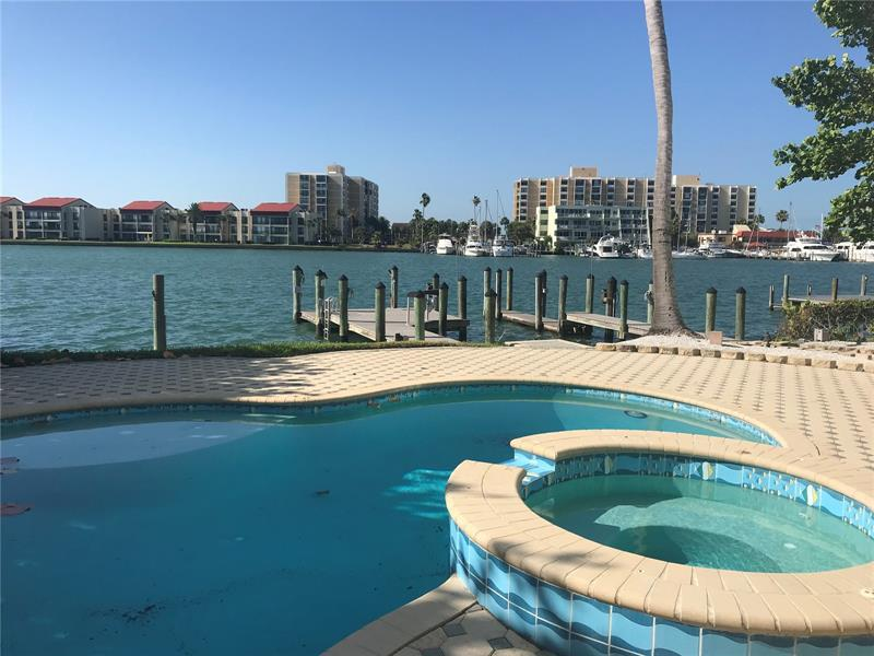 Image for property 277 BAYSIDE DRIVE, CLEARWATER BEACH, FL 33767