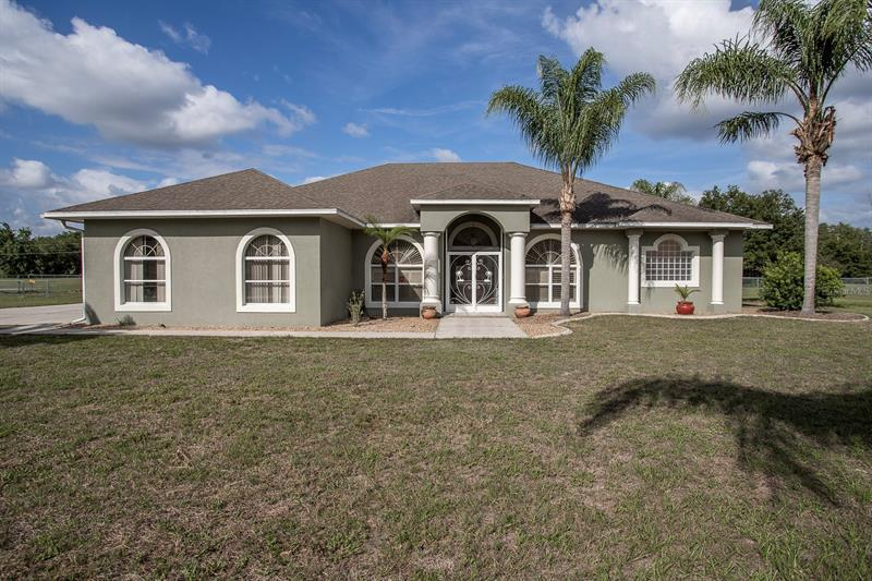 Image for property 39718 COUNTY ROAD 452, LEESBURG, FL 34788
