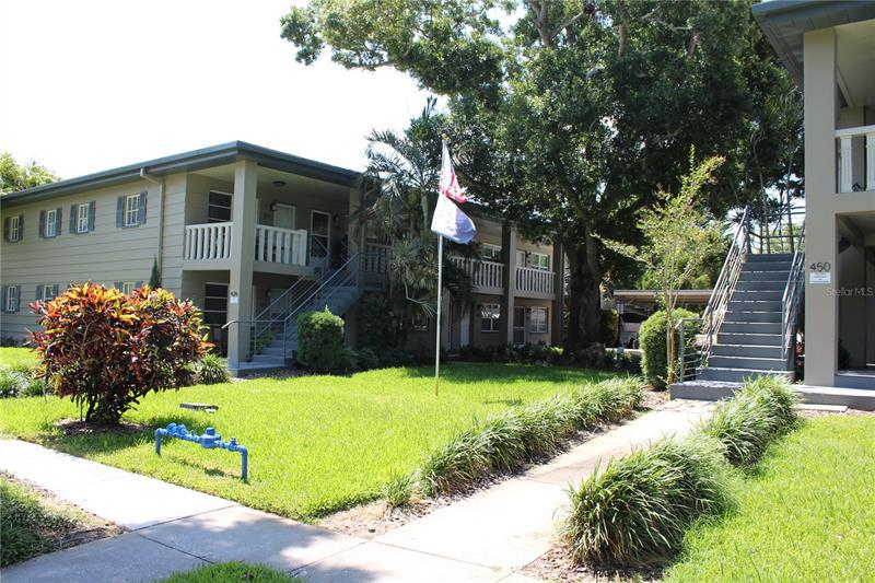 Image for property 426 32ND AVENUE 205E, ST PETERSBURG, FL 33704
