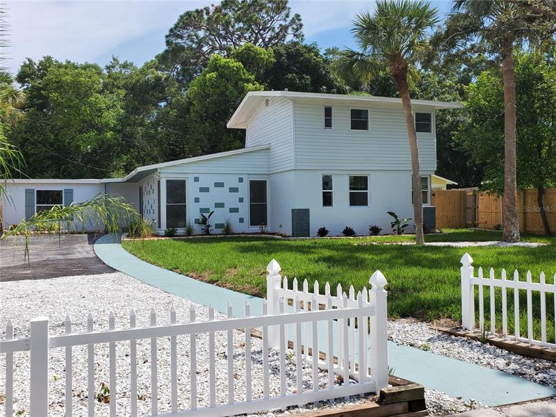 Image for property 415 VENETIAN DRIVE, CLEARWATER, FL 33755