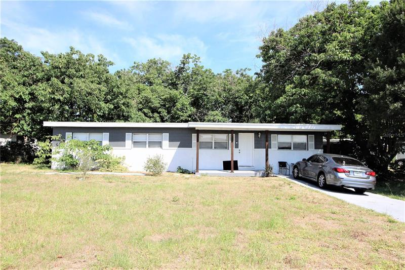 Image for property 1142 CAREFREE COVE DRIVE, WINTER HAVEN, FL 33881