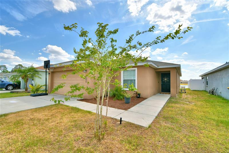 Image for property 4098 SUNDANCE PLACE LOOP, MULBERRY, FL 33860