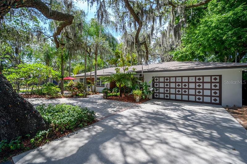Image for property 1223 IDLEWILD AVENUE, TAMPA, FL 33604